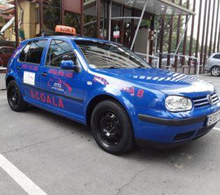 VW Golf IV - OttoAuto | Școala de Șoferi București